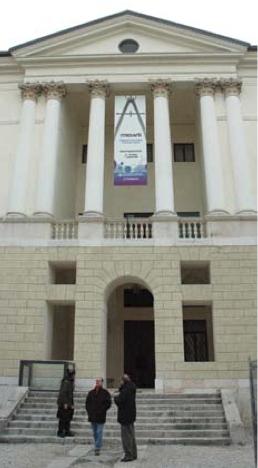Palazzo Fogazzaro Schio - banner esterno Innovarti 2006